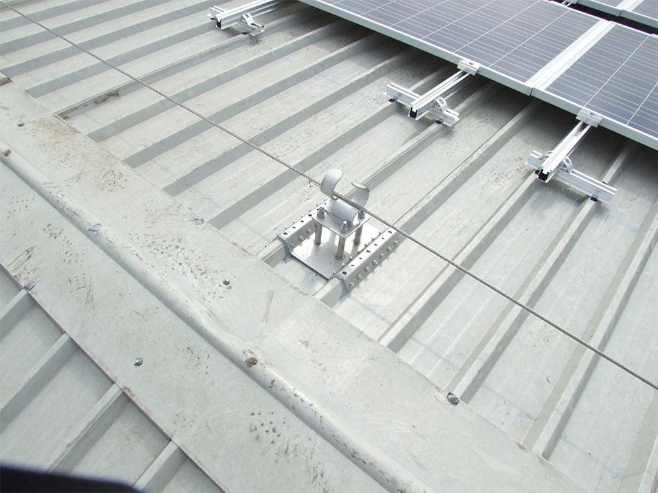 Manutenzione linee vita per tetti a Verona