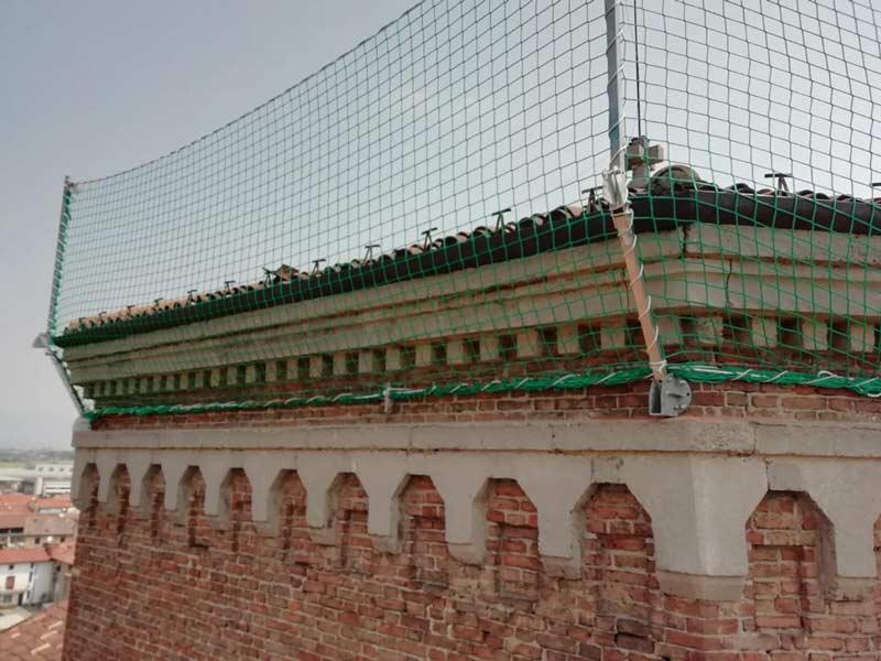 Installazione parapetti in rete Chiesa Madone
