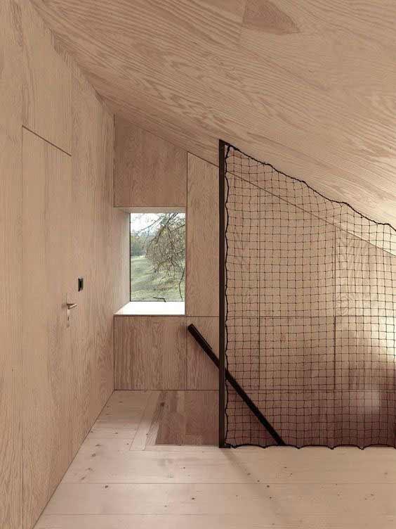 Installazione rete per scale interne